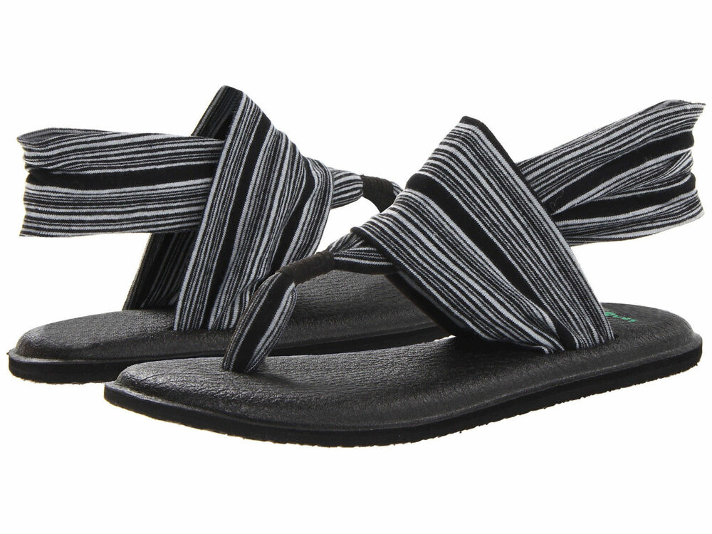Explore effortlessly with Sanuk's Vagabond Shoes. With a sandal bottom and canvas top this shoe is an amazing cross over shoe that will provide you a comfy feel anywhere you go! Featuring an EVA footbed with antimicrobial additives that you will be rolling up the beach, party, picnic, club, etc odor free!