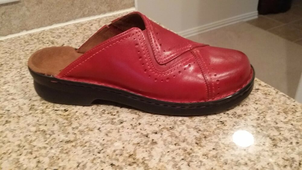 New Clarks Size 7m Red Leather Clogs Ebay