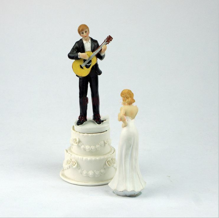 Hot Love Serenade Guitar Playing Groom Bride Wedding Cake Topper 2016 Music New