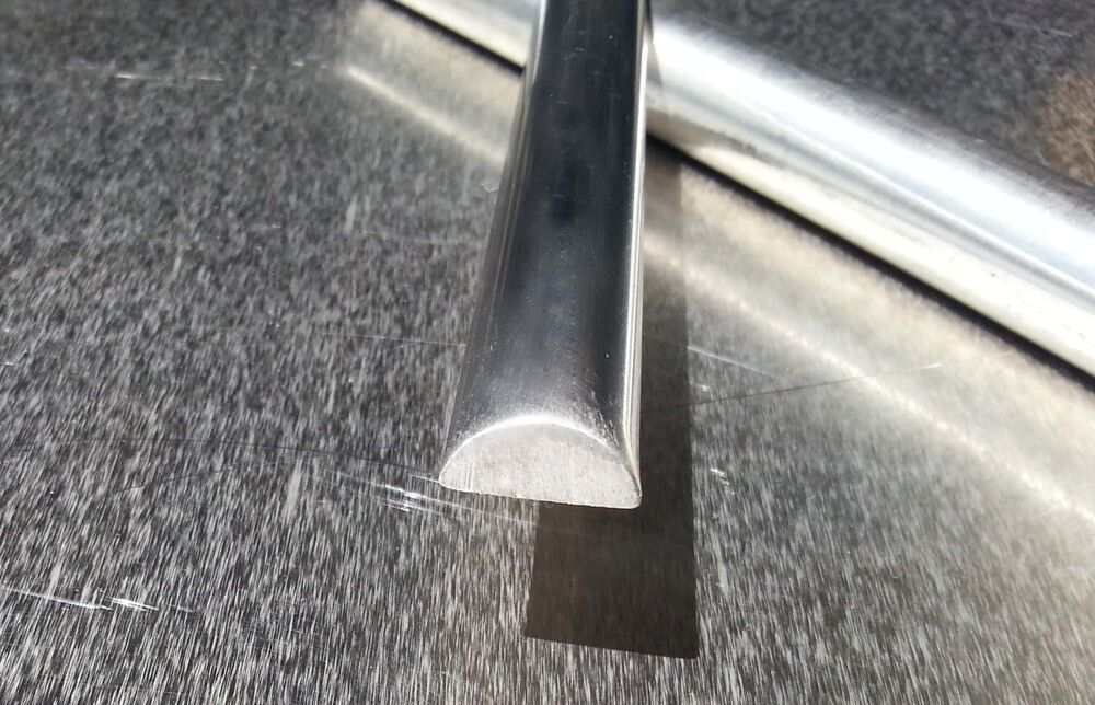 Stainless Steel 5 8 Quot Half Round Bar Alloy 304 6ft Long Ebay