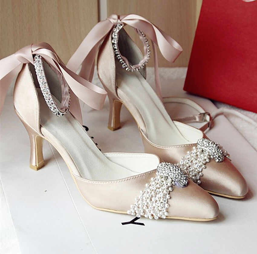 Beautiful satin wedding shoes online sale. weddingdresstrend provides many colors choice of satin shoes. Blue, red, black, purple and white satin pumps are popular. Offer wholesale and retail!%(60).