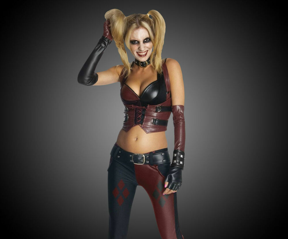 sexy emo girls dressed as harley quinn