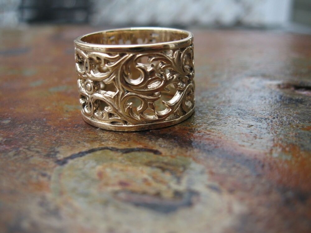 14kt Yellow Gold Filigree Floral Design Wide Cigar Band
