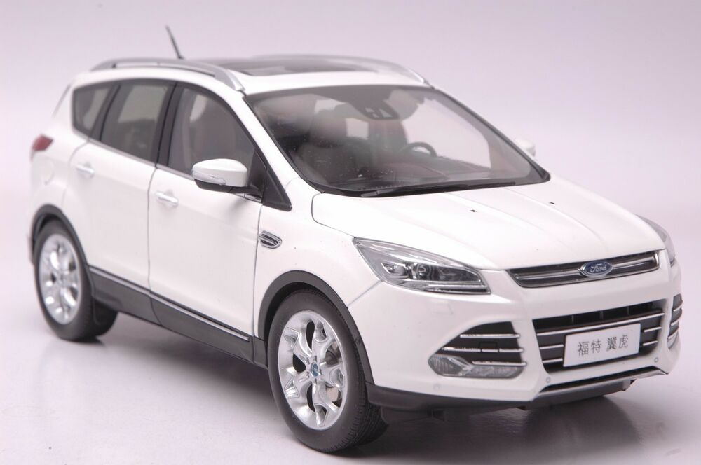 ford kuga 2015 suv model in scale 1 18 white ebay. Black Bedroom Furniture Sets. Home Design Ideas