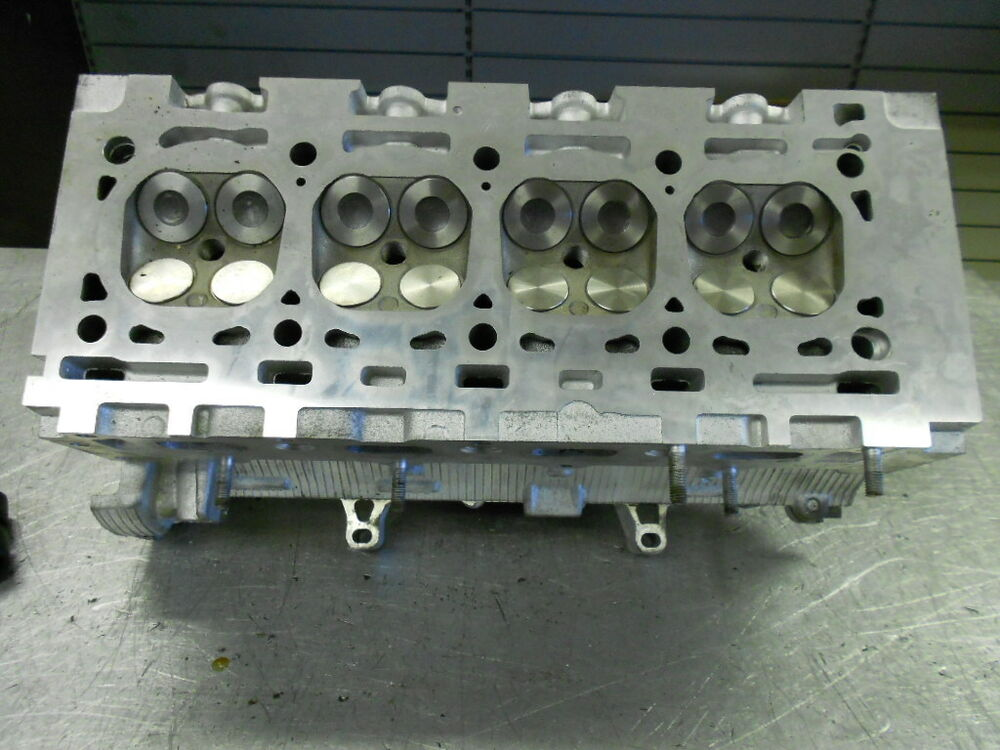 reconditioned cylinder head renault clio kangoo laguna megane modus 1 4 1 6 16v ebay. Black Bedroom Furniture Sets. Home Design Ideas
