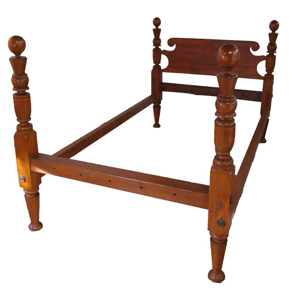 18th Century Federal Period Cannonball Four Poster Bed In