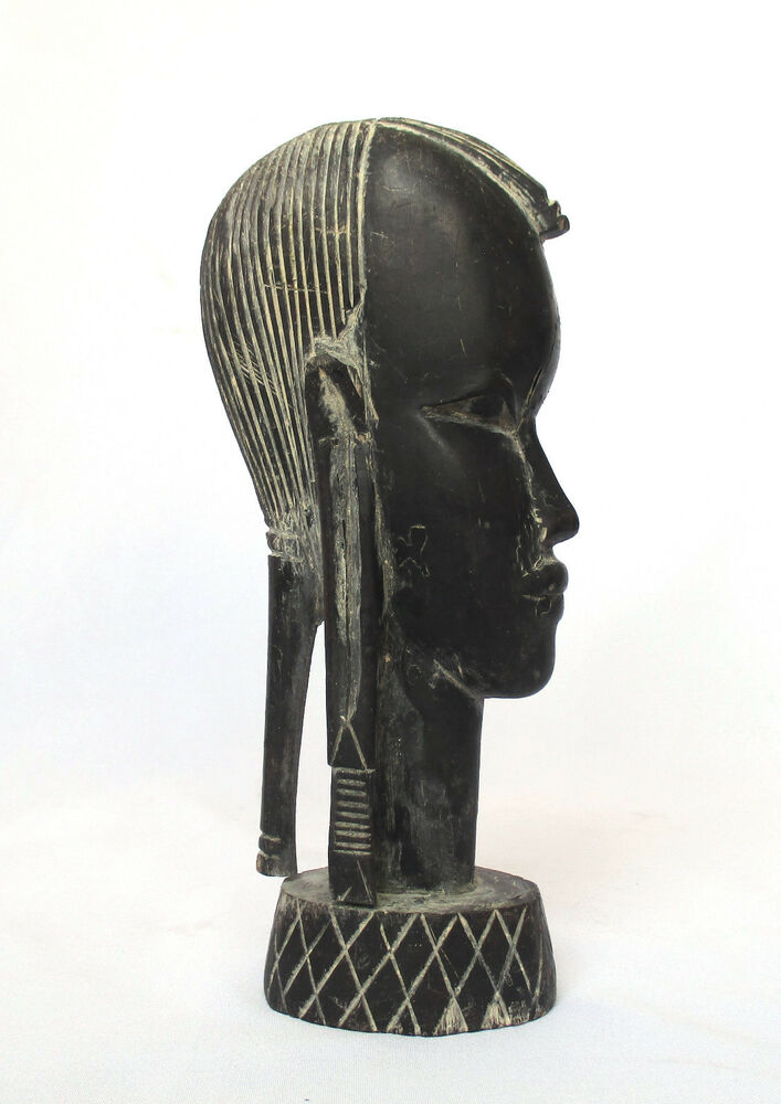 Vintage African Hand Carved Wood Statue Tanzania. Statue