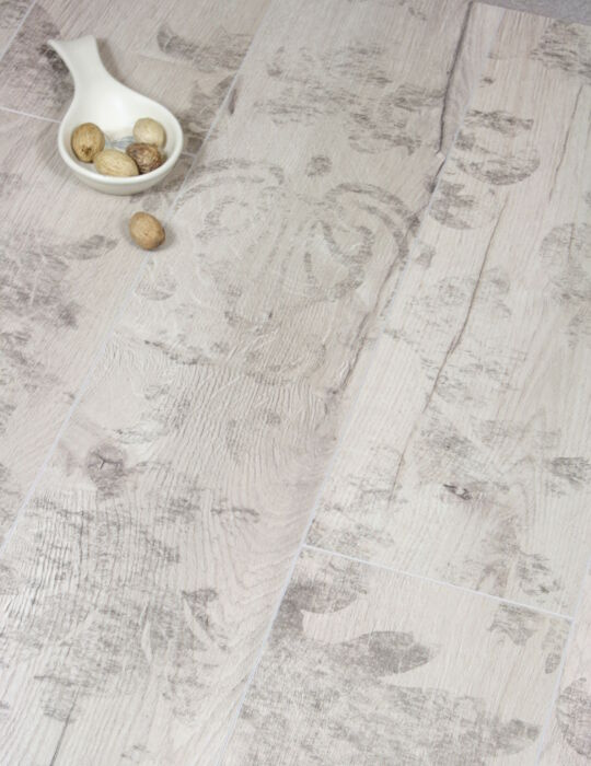 sample of cosenza oak rustic shabby chic laminate reclaimed flooring v groove ebay. Black Bedroom Furniture Sets. Home Design Ideas