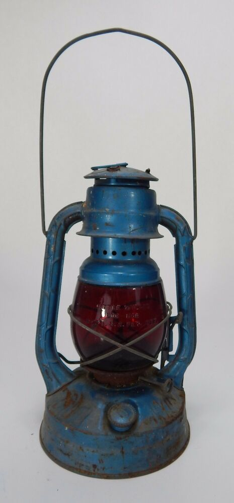 dietz blue little wizard kerosene oil lantern w red glass