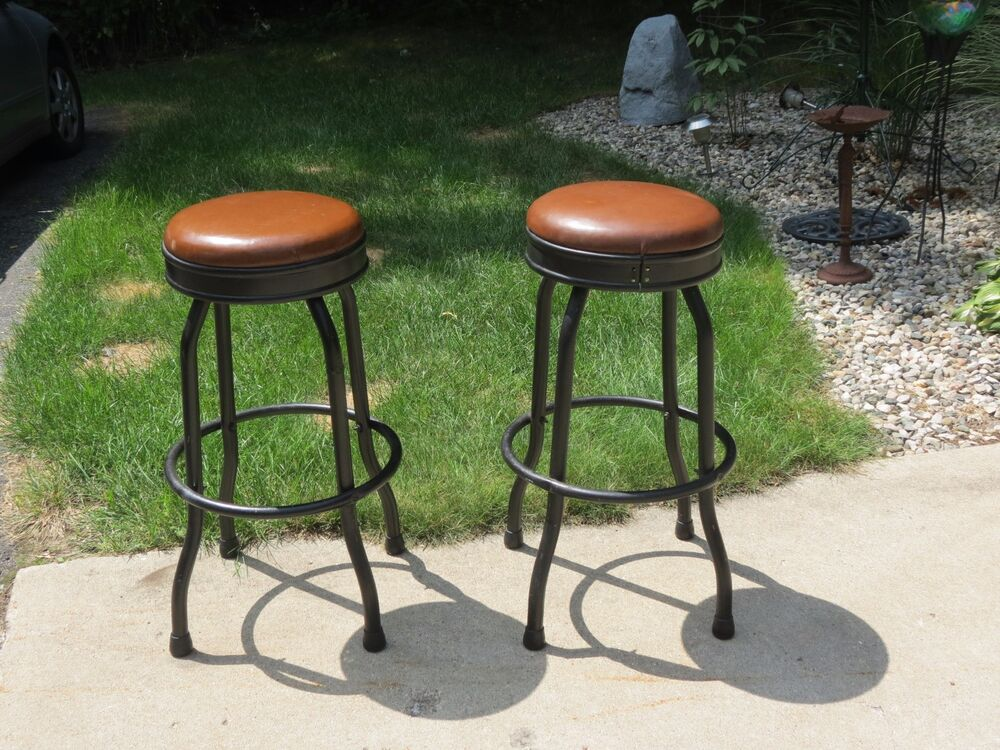 Vintage Pair Mid Century 30 Quot Swivel Bar Shop Stools 360