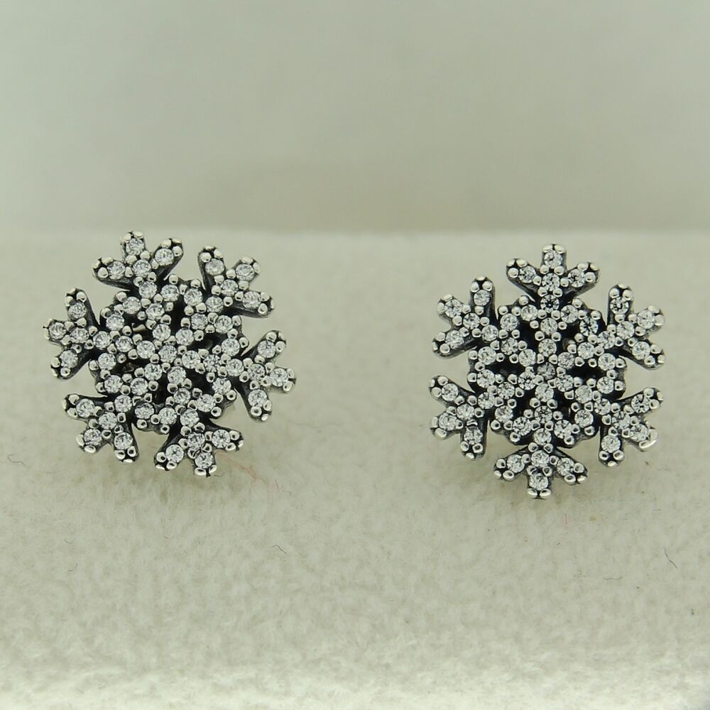 pandora snowflake earrings authentic pandora 290589cz snowflake clear cz studs 6490