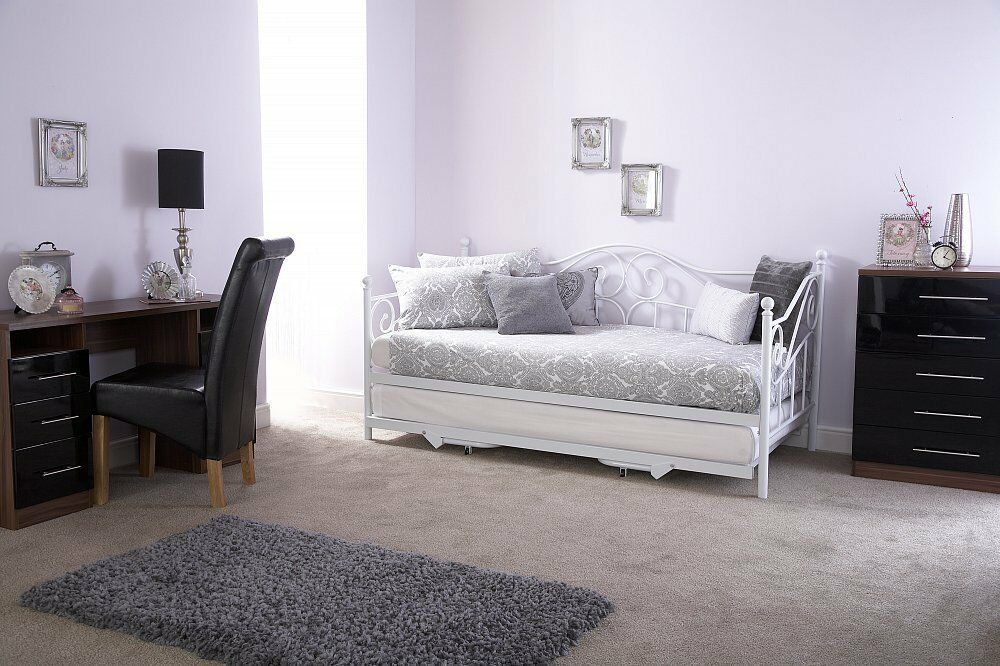 Madison white 3ft single metal day bed with pull out for Good quality single beds