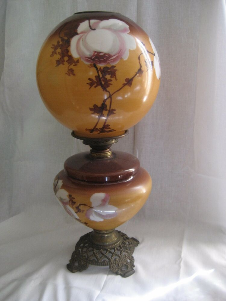 Antique Gone with the Wind Kerosene lamp with floral ...