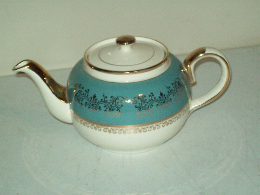 Sadler teapot made in staffordshire england gold gilded for Mode in england