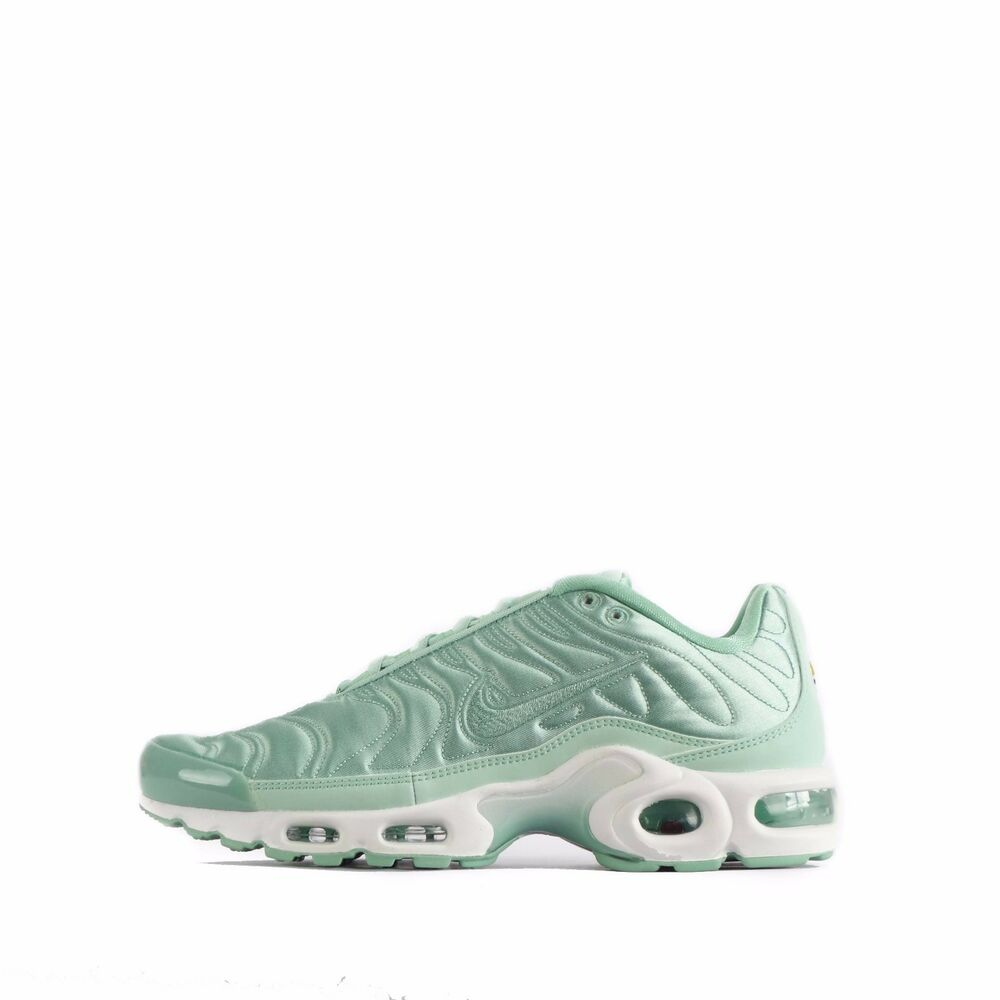 740ffa4781b1 Details about Nike Air Max Plus SE TN Tuned Quilted Womens Shoes in Enamel  Green