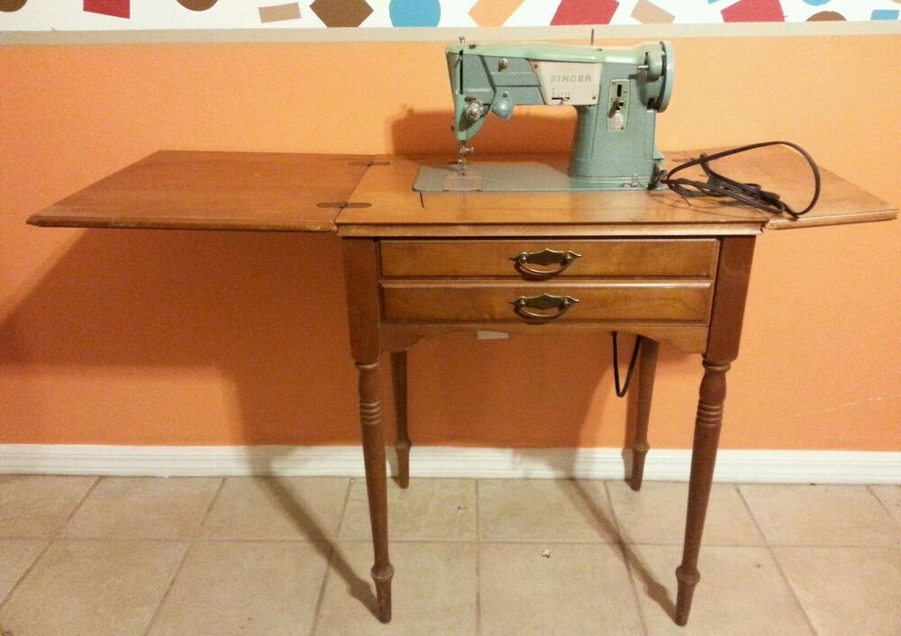 vintage singer sewing machine with table motor works ebay. Black Bedroom Furniture Sets. Home Design Ideas