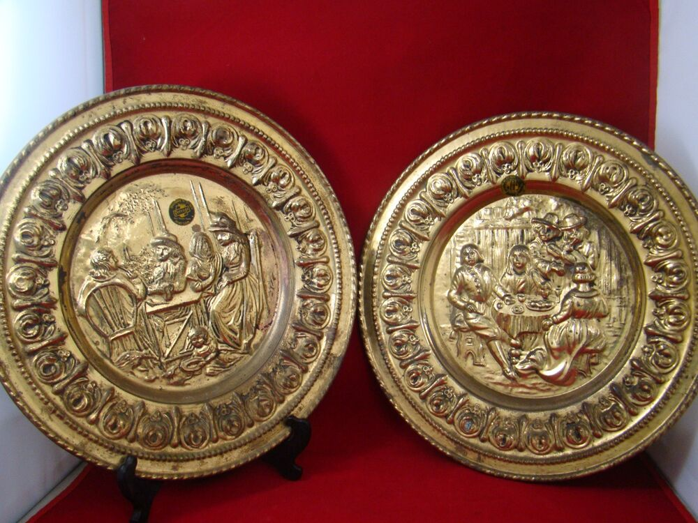 lot of 2 vintage brass peerage wall hanging plaques made in england ebay. Black Bedroom Furniture Sets. Home Design Ideas