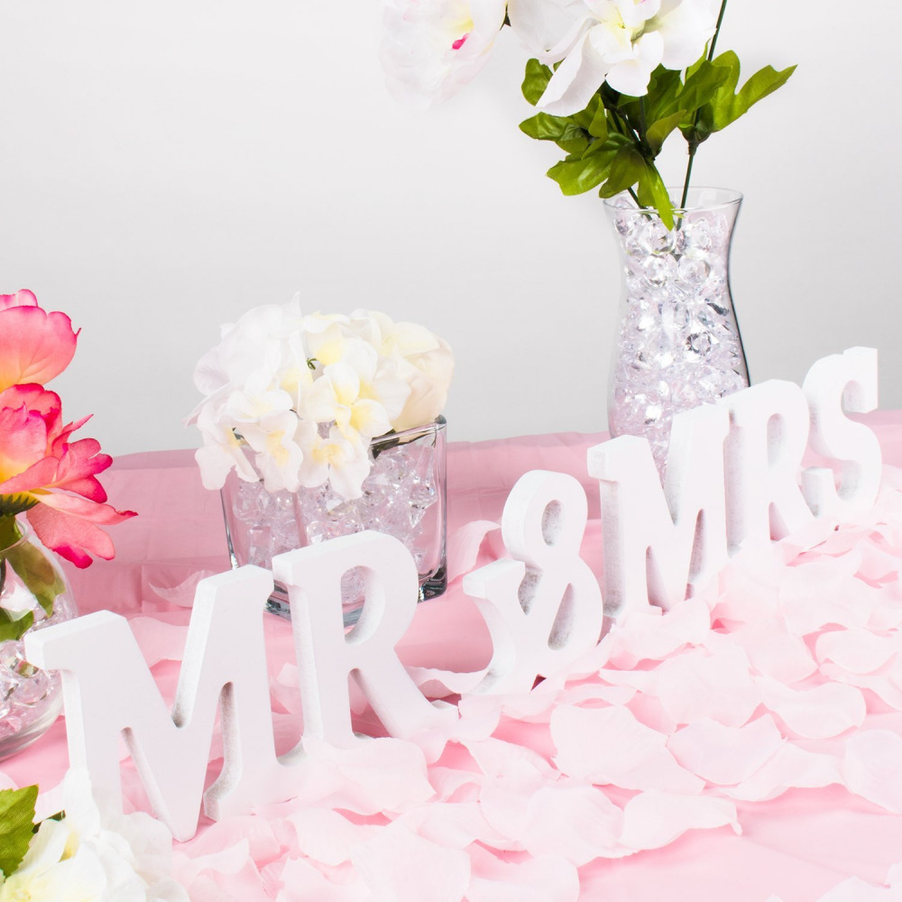 Mr and mrs signs wedding party table top dinner decoration for Decoration stand