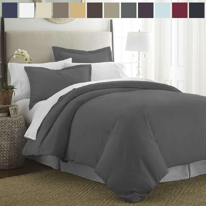 Luxury Duvet Covers. Give your old comforter new life with a luxury duvet cover from Horchow. Duvets are an easy way to create a new look for your bedding by simply covering an existing bed spread with a new fabric and design. Find the perfect duvet cover set for king, queen, full and twin size bedding to update your room's style and decor.
