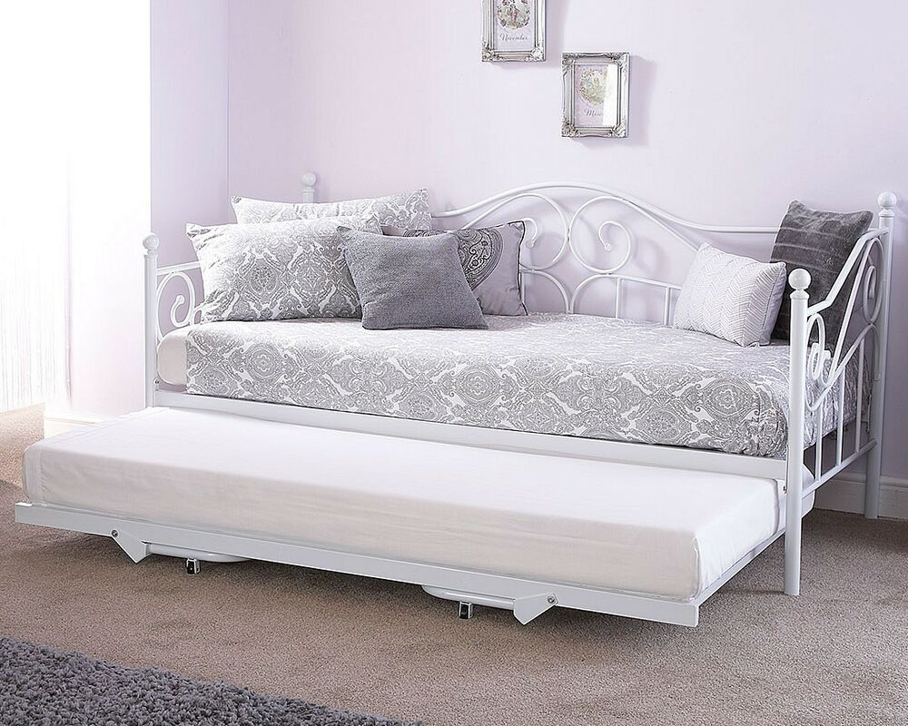 madison metal day bed with optional trundle white ebay. Black Bedroom Furniture Sets. Home Design Ideas