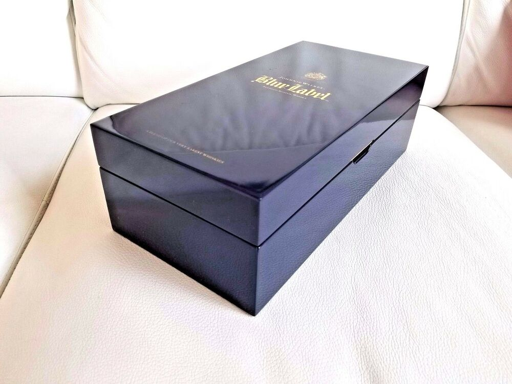 This is a picture of Rare Johnnie Walker Blue Label Case