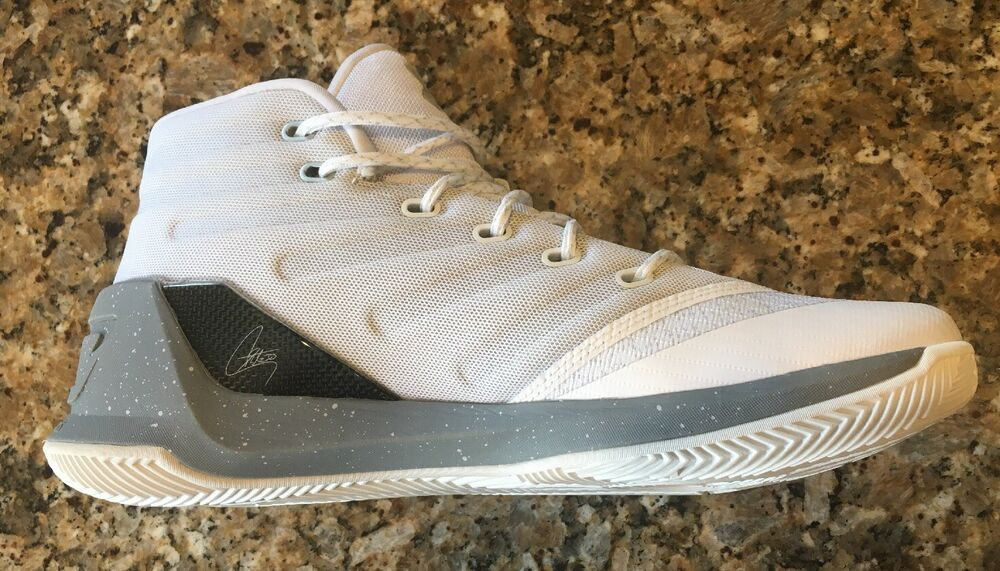8404c8867a8e Details about UNDER ARMOUR UA STEPH CURRY 3 MEN S BASKETBALL WHITE BLACK  SNEAKERS SHOE 1269279