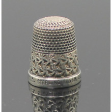 Solid Sterling Silver Antique Sewing Thimble The Spa H.G&S 16. England made 1930