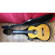 1970'S VINTAGE SIGNET GC50 CLASSICAL GUITAR (w/ Case) (+ VIDEO) + FREE SHIPPING!