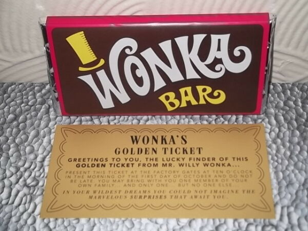Willy Wonka Chocolate Bar Gift with new Golden Ticket Inside Great original gift
