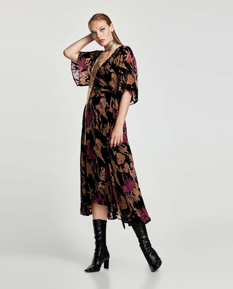e18e4df4 Zara Black Floral Velvet Midi Dress - raveitsafe