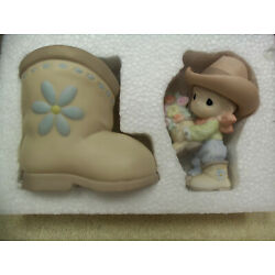 PRECIOUS MOMENTS 120121 ''YOU BET YOUR BOOTS I LOVE YOU'' - NIB - 2004