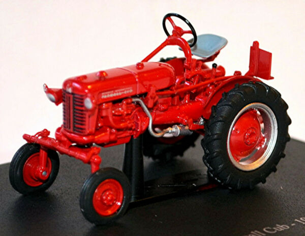 AllemagneIH Farmall Cub 1956 Tracteur  Rouge 1:43