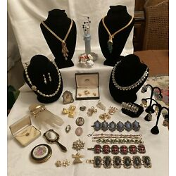 Kyпить Lot Of Vintage Designer Signed High End Jewelry And Accessories на еВаy.соm