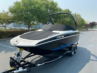 2018 Regal 24 Fasdeck RX V6 Deckboat 36h Loaded w/ Restroom Volvo Penta