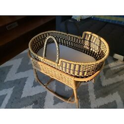 Kyпить Design Dua Bilia Baby Bassinet and Vintage Bassinet Stand - Indiana Pickup на еВаy.соm
