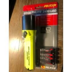Kyпить pelican flashlights 2410-016-245 stealth lite led flashlight yellow на еВаy.соm