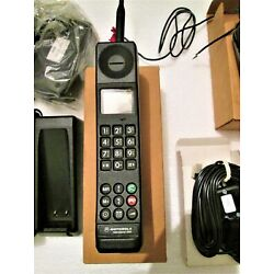 Kyпить  Motorola International 3200, It is NEW, Year 1992, Vintage GSM mobile phone на еВаy.соm