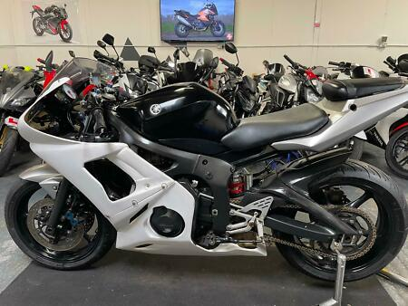 2003 Yamaha YZF-r6 600 600cc == we accept p/x / sell us your bike