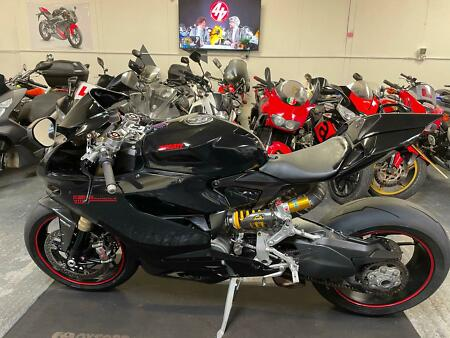 2013 Ducati Panigale 1199 == we acept p/x / sell us your bike