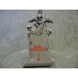 Thrills and Chills NEW * Beetlejuice Gravestone Clip * Blind Bag Keychain