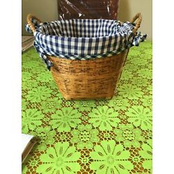 WOVEN BASKET WITH LINER WOODEN ITH BLUE & WHITE CHECKERED REMOVABLE LINING MED.