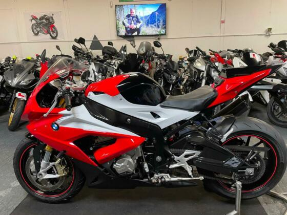 2016 BMW S1000rr 1000cc == we accept p/x / sell us your bike