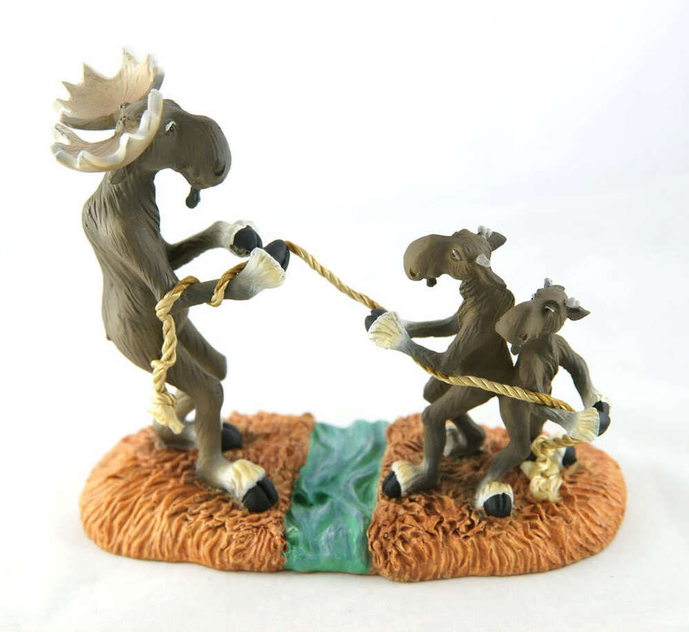 New big sky carvers moose tug o war figurine bearfoots