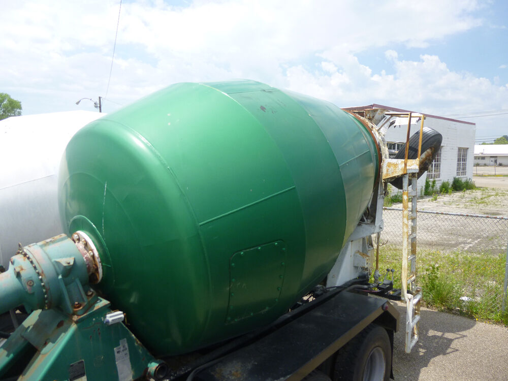 Cement Concrete Mixer Barrel Body 10 Cubic Yards Next To
