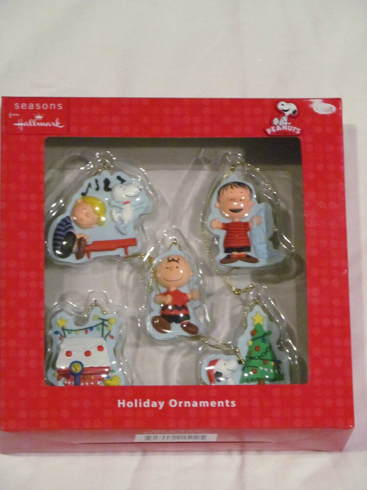New seasons from hallmark mini peanuts holiday christmas for Holiday christmas ornaments
