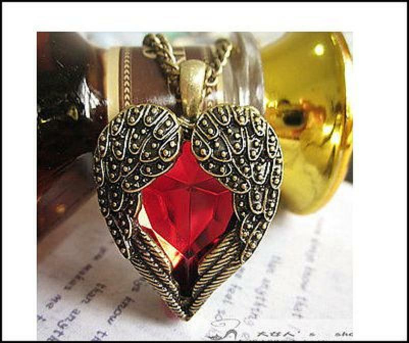 Angel Wings Heart Unusual Gift Trendy Kitsch Gothic