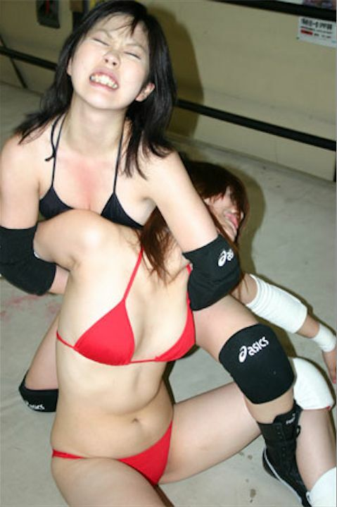 Japanese girls strip wrestling — photo 5