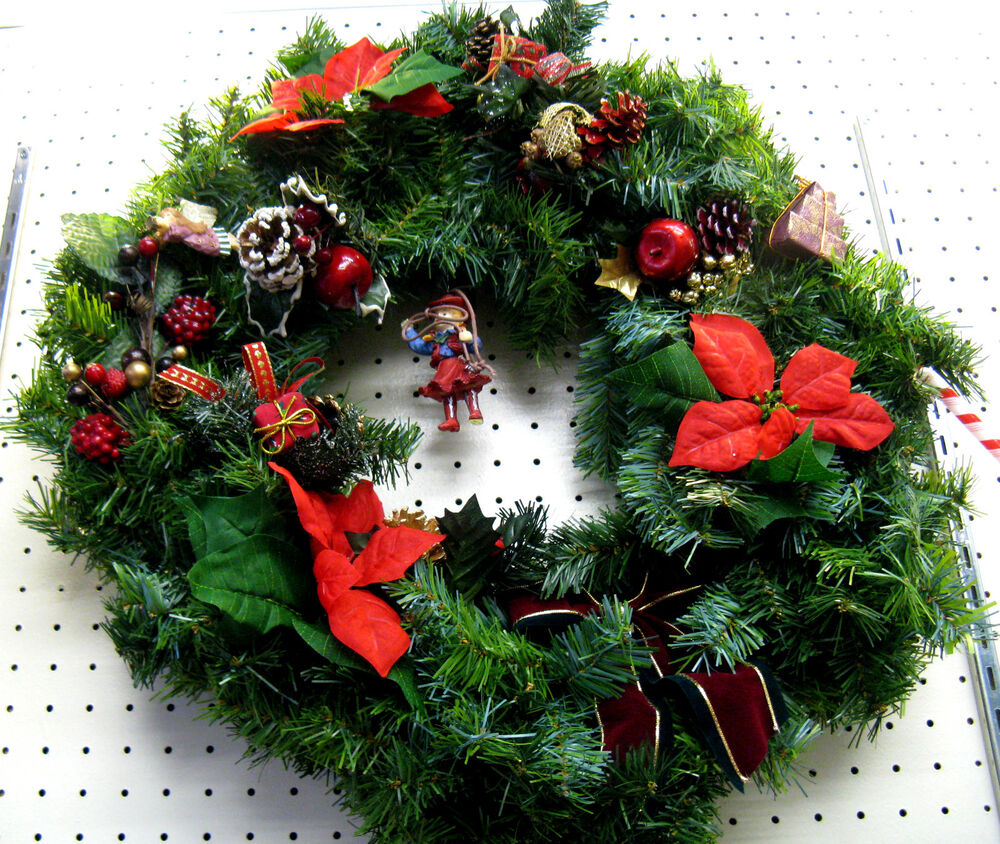 ARTIFICIAL PRE-DECORATED CHRISTMAS WREATH WITH COWGIRL