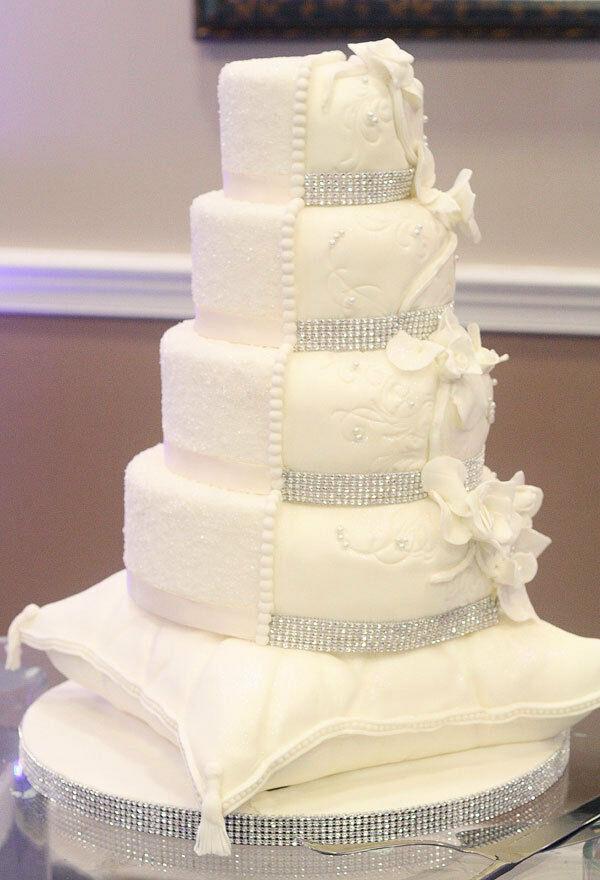 white wedding cake with gold bling 1 foot 5 row wide silver rhinestone wedding 27410