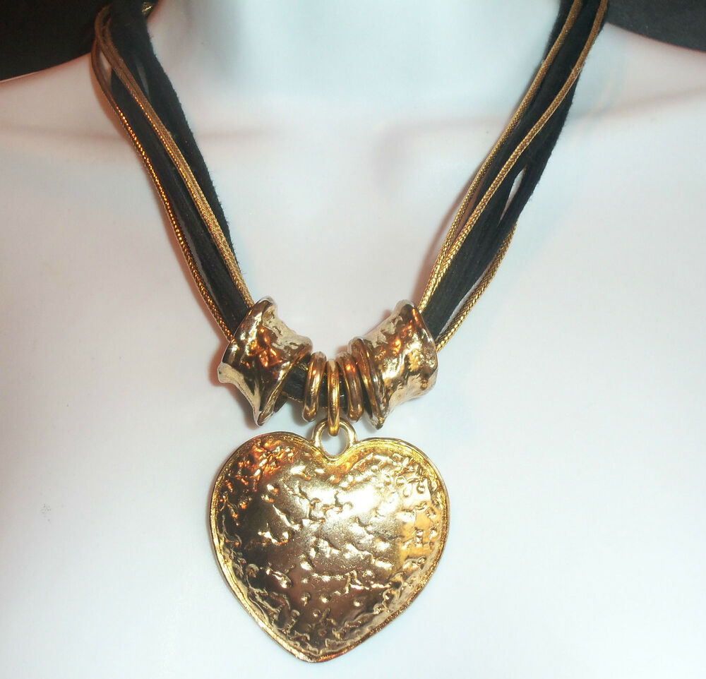Pretty Vintage Goldplated Heart Necklace On Black Amp Gold